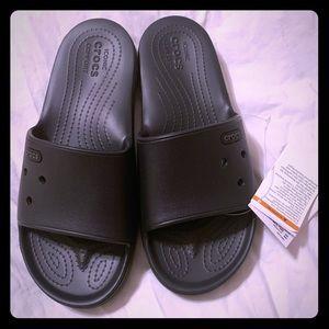 Sandals/slides